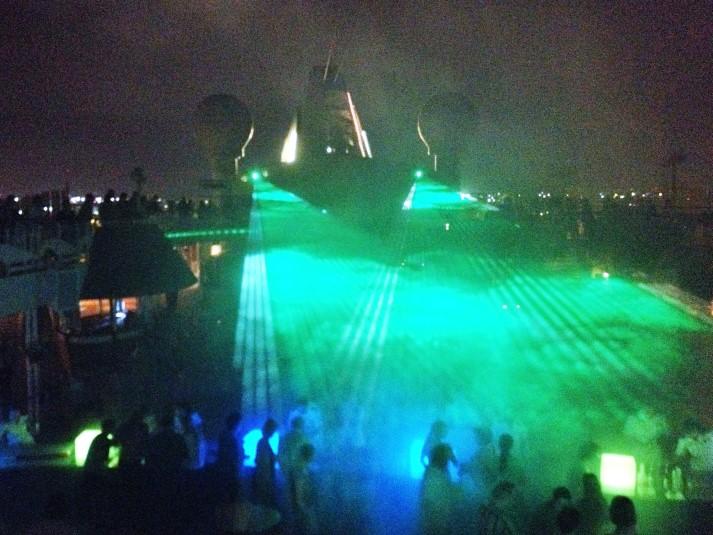 AIDA Lasershow auf dem Pooldeck