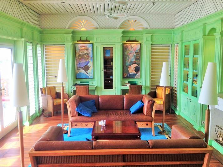 Die Hemmingway Lounge auf AIDAvita