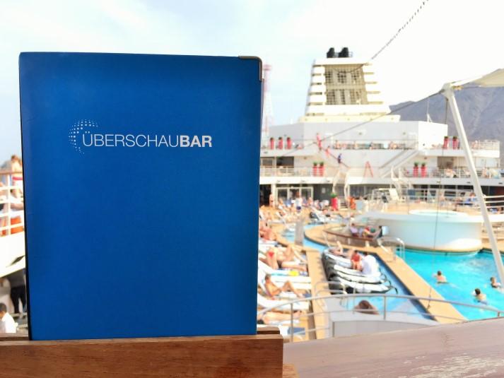Die Überschau Bar auf Deck 12