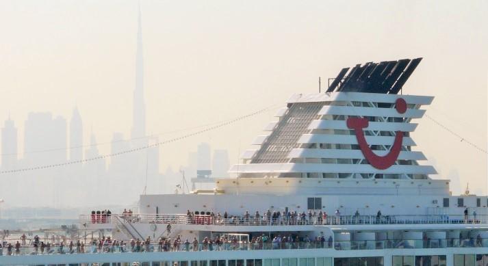 Orient Kreuzfahrt mit Mein Schiff 2