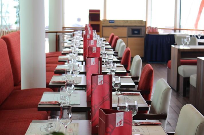 Das Fischrestaurant 'Gosch' auf hoher See
