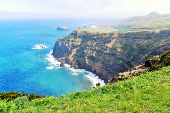 Die Hauptinsel São Miguel beeindruckt durch vielfältige Natur