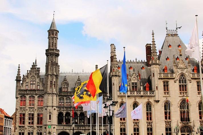 Der Burgplatz der flämischen Stadt Brugge