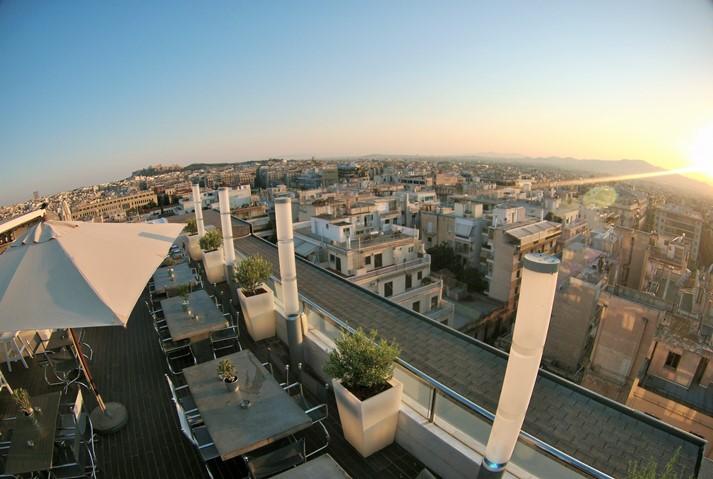 Die Hotel Rooftop Bar mit spektakulärer Aussicht