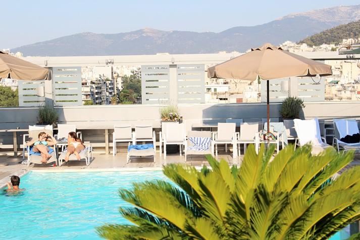 Ein Muss bei der Sommerhitze: Hotel mit Pool