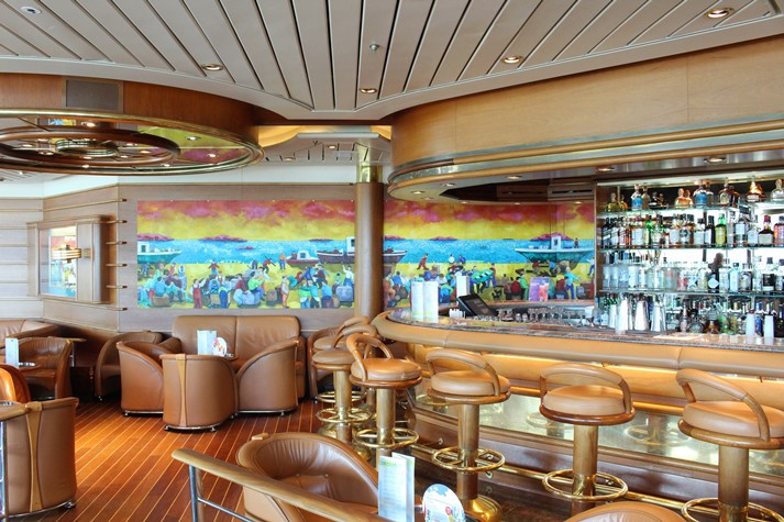 Auf allen Royal Schiffen fester Bestandteil: die Schooner Bar