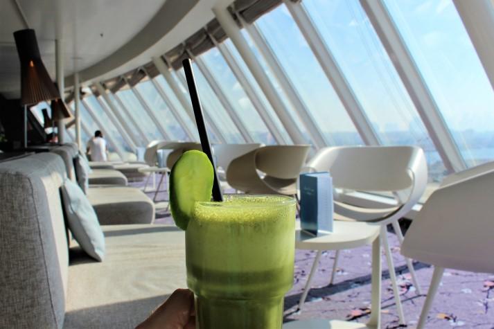 Die Himmel und Meer Lounge, mein Favorit: Banane-Limetten-Smoothie