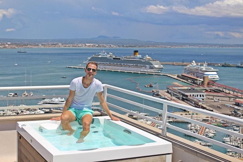 kreuzfahrthafen palma de mallorca von aida und tui cruises. Black Bedroom Furniture Sets. Home Design Ideas