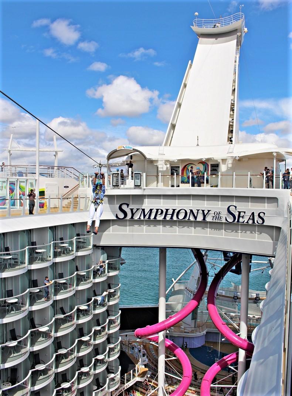 Die Zipline der Symphony of the Seas über den Boardwalk